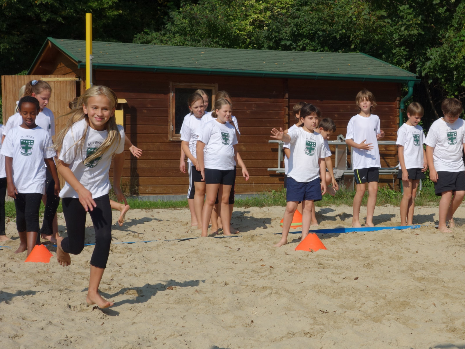 1600x1200 Beachvolleyballpl